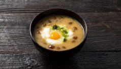 【味噌の日】山芋となめこの味噌汁