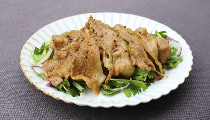豚肉の薬膳醤油焼き 香味野菜添え