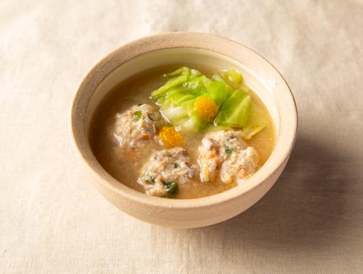 春きゃべつと新野菜のつくね味噌汁
