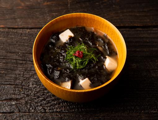 海苔と梅干しの味噌汁